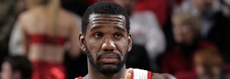 greg-oden-hands-together